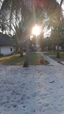 Jacaranda Indian Ocean Beach Resort: IMG_20170918_172959_large.jpg