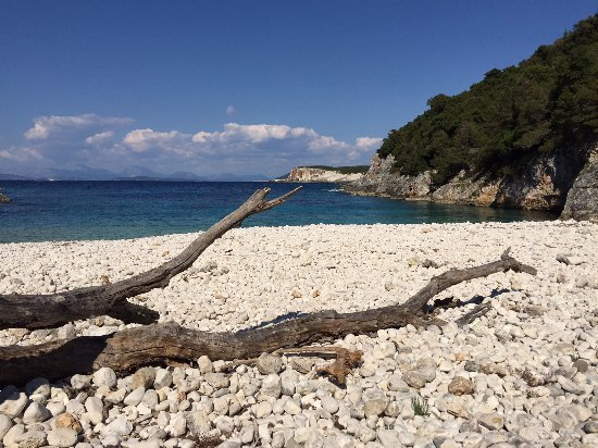 Cefalonia, Grecia: The view from Dafnoudi beach - close to the trail
