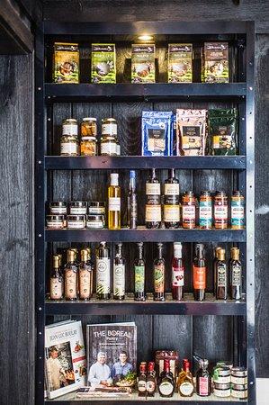 Chez Boulay-comptoir boréal: coin boutique, produits d'ici