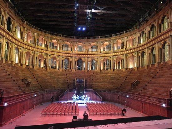 法爾內塞劇院