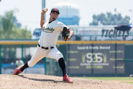 Visalia, Californien: The next big league aces toe the mound 70 times each summer! (Photo by Aaron Provencio)