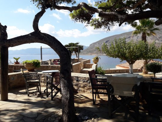 Lazareto Hotel: Θέα από τον κήπο του πρωινού.