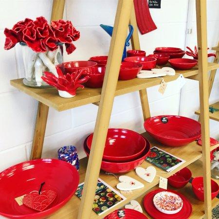 Waihi Beach, New Zealand: Ceramics - Ana Couper - Michelle Bow