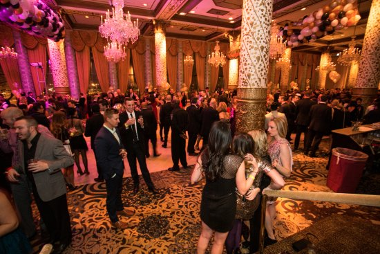 hotel deals chicago new years eve