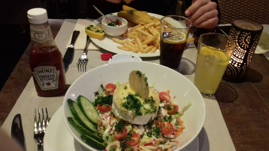 De Carre: Fish and chips and goats cheese salad