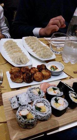 Gyoza Takoyaki maki sushi