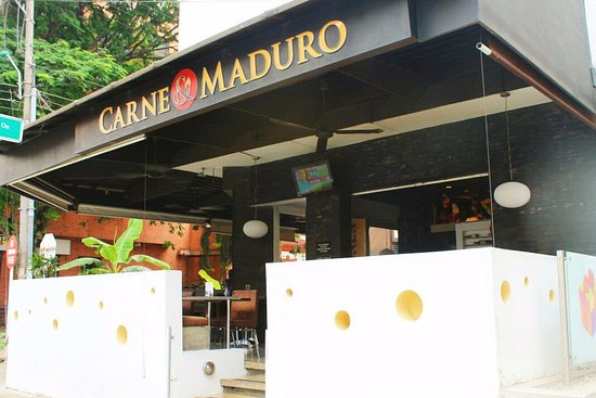 Carne y maduro restaurante cali restaurant reviews for Bares ciudad jardin cali