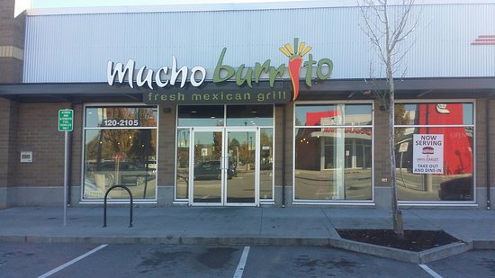 Port Coquitlam, Canada: Mucho burito - between Five Guys & Swiss Chalet