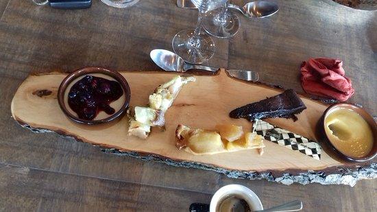 Aigueperse, Francia: Cafe Gourmand limite pour 3 personnes !