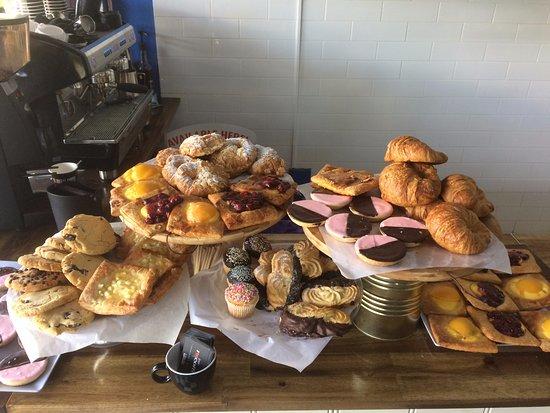 Murwillumbah, Australia: Freshly made cakes