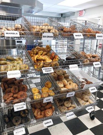Newburyport, MA : Abraham's Bagels