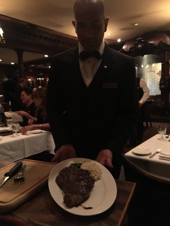 Hy's Steak House - Waikiki: photo2.jpg