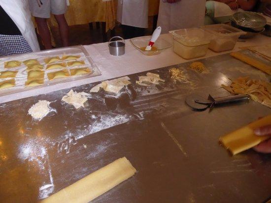 Vallo di Nera, Italy: Ravioli and pasta making