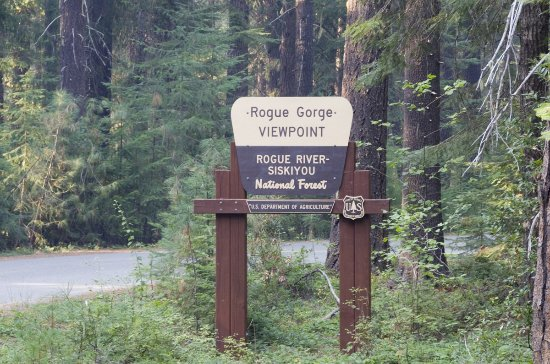 Prospect, OR : The amazingly scenic Rogue Gorge Viewpoint is a must-see when staying at Union Creek Resort.
