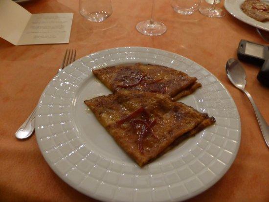 Belgentier, France: Dessert : La véritable crêpe Suzette d'après Auguste Escoffier