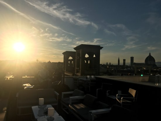 Plaza Lucchesi Hotel : Roof Top Sunset View