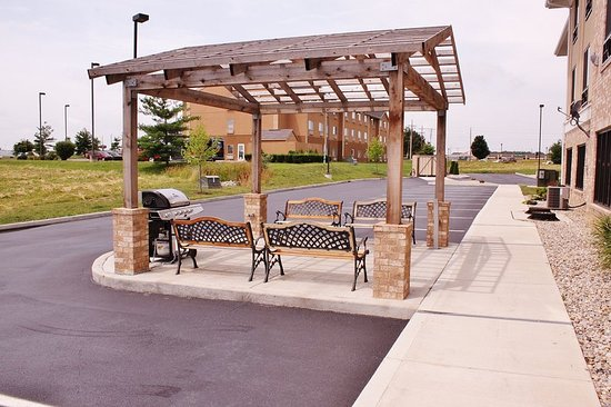 Greenfield, IN: Guest Patio