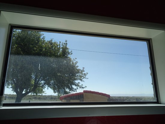 Mountain Home, ID: Great view from the window. There is a playground outside the restaurant.