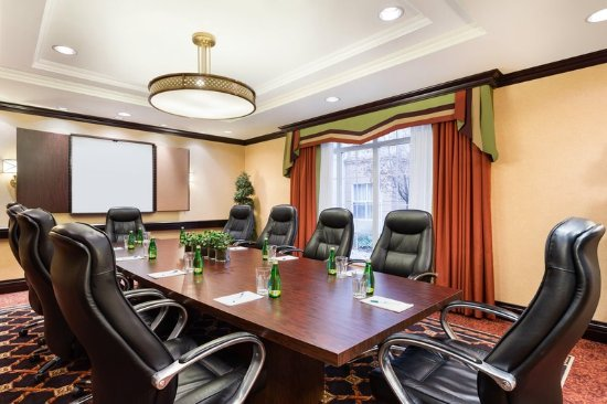 Homewood Suites by Hilton Cambridge-Waterloo, Ontario: Boardroom
