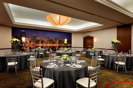 Hilton Chicago/Magnificent Mile Suites: Lake Shore Ballroom - Wedding