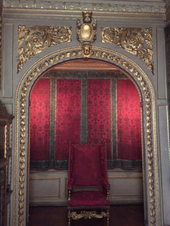 Ham House: small throne room used during a visit from the Queen of England