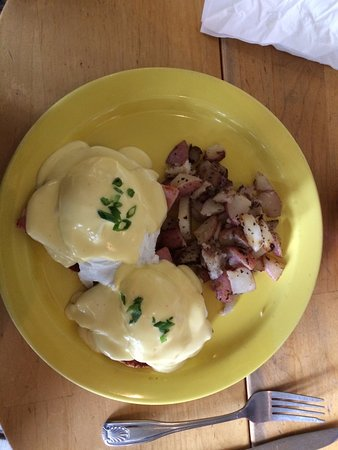 Gig Harbor, WA: Your basic Eggs Benedict