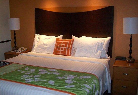 Strasburg, VA: King Suite Sleeping Area