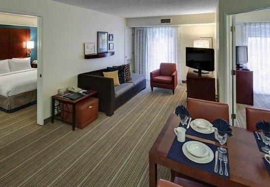Residence Inn San Diego Downtown: Two Bedroom Suite