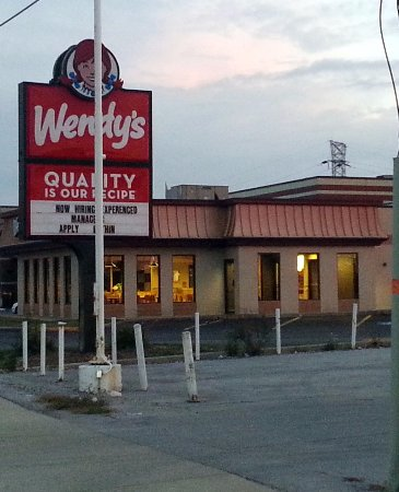 Alsip, IL: sign on Cicero Ave. for Wendy's