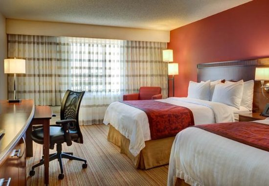 Irving, TX: Queen/Queen Guest Room
