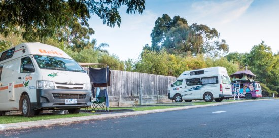 Riverview Tourist Park: Camper van site
