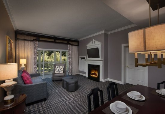 Marriott 39 s manor club at ford 39 s colony updated 2017 - 2 bedroom hotel suites in williamsburg va ...