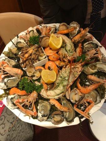 Hesdin, Frankrijk: Une fois par mois au premier étage, nous organisons une soirée fruits de mer avec ambiance piano