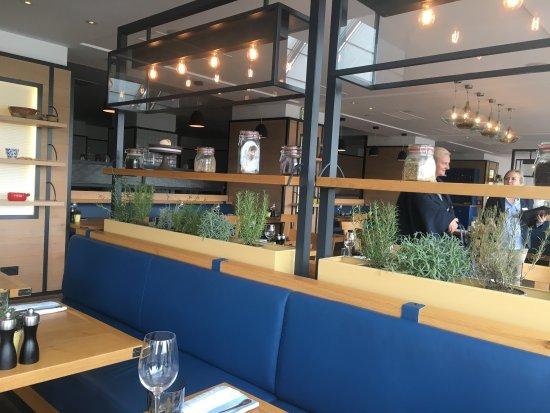 Hilton Vienna Danube Waterfront : Mittags Lunch mit großen Portionen und super Qualität !!