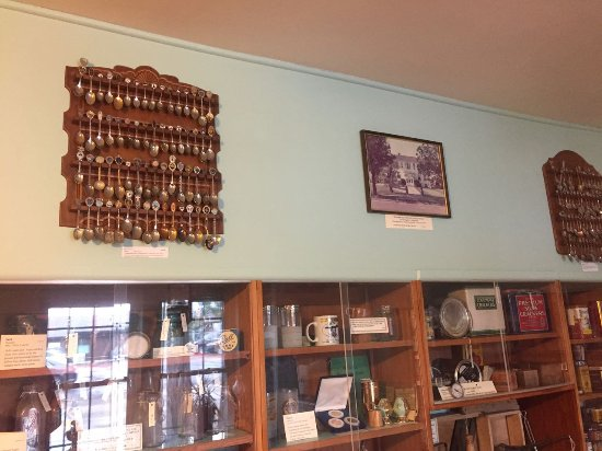 O'Fallon Historical Museum: Spoon collections