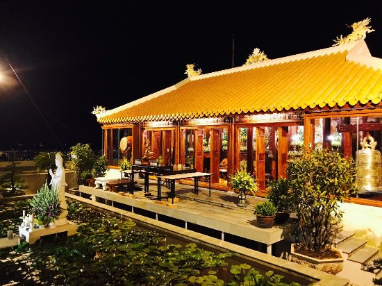 Imperial Hotel: Roof deck temple (named Bieu Duc) - 17th floor