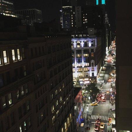 Hotel Metro : Vista de Macy's desde la terraza.