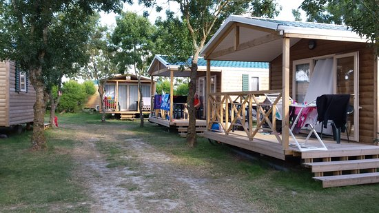 camping les huttes campground reviews saint denis d 39 oleron france tripadvisor. Black Bedroom Furniture Sets. Home Design Ideas