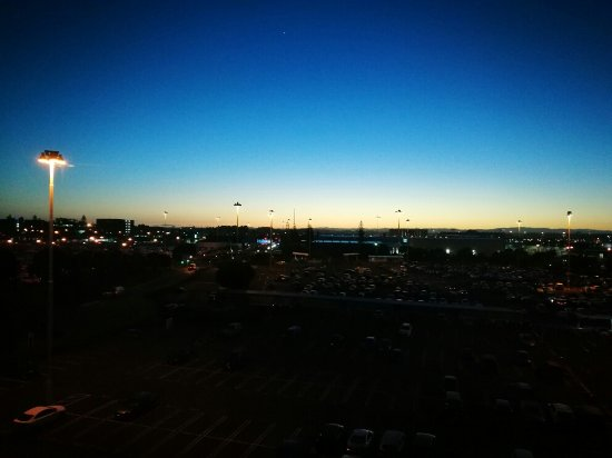 Novotel Auckland Airport: 酒店窗外的景觀