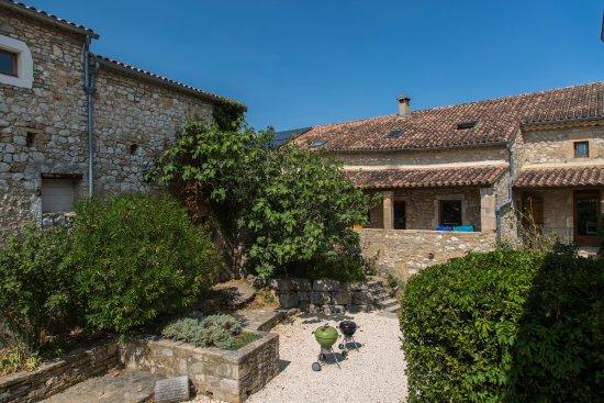 Vagnas, Frankrike: The inner courtyard