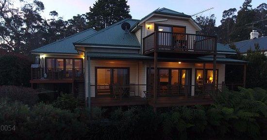 Wentworth Falls, Αυστραλία: B&B at dusk