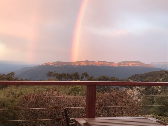 Wentworth Falls, Australien: Rainbow over Mt Solitary