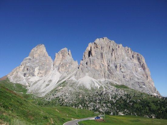 Escursione tutt'intorno a Sassopiatto e Sassolungo