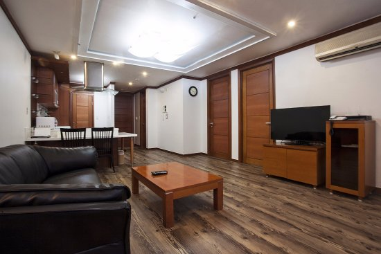 Coatel Suite room - Separated living room - 2 private rooms, Queen ...