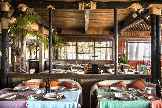 Restaurante trocadero playa en marbella con cocina otras for Cocinas marbella