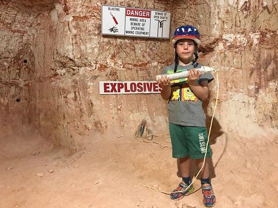 Tom's Working Opal Mine: photo0.jpg