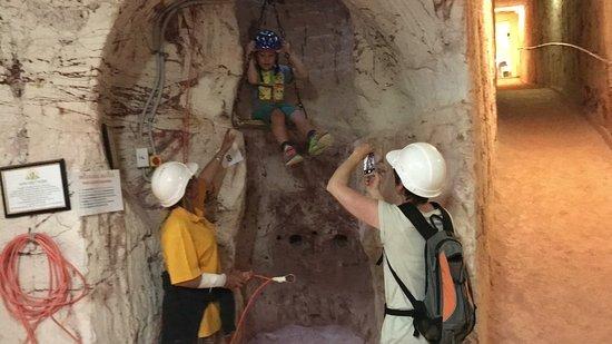 Tom's Working Opal Mine: photo1.jpg