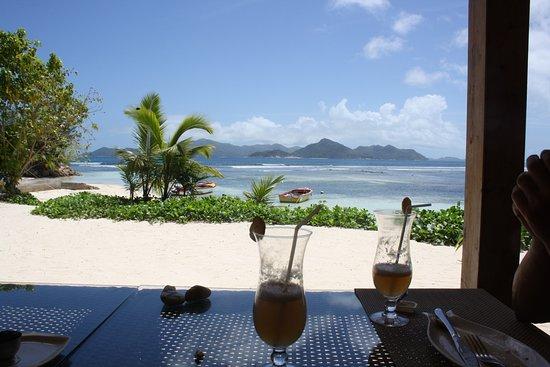 vue exceptionnelle picture of le bon coin beach restaurant bar la digue island tripadvisor. Black Bedroom Furniture Sets. Home Design Ideas