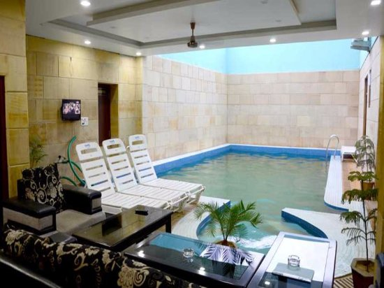 Swimming Pool Indoor Lounge Picture Of Bunkyard Jaisalmer Tripadvisor