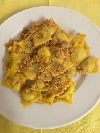 Vetto, Italia: Un altro dei nostri piatti: ravioli al ragù di carne